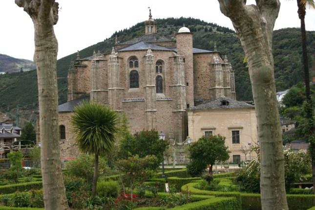 parroquias_colegiata-santa-maria-villafranca-del-bierzo_colegiata-villafranca-del-bierzo_villafranca-del-bierzo-38_831_1394971312