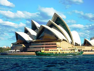 Opera_House_and_ferry._Sydney