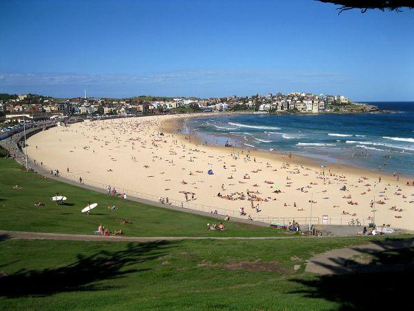 Bondi_Beach_Sydney_Australia_7